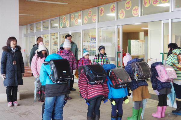 相村建設株式会社 土木 港湾 複数の小学校での挨拶指導